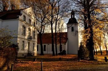 Dorfkirche und Pfarrhaus